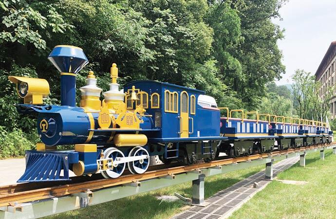 有轨观光小火车